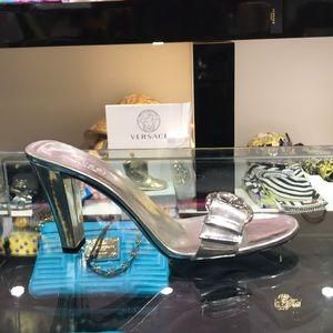 "[BRAND NEW ] Gucci 3""heels silver"